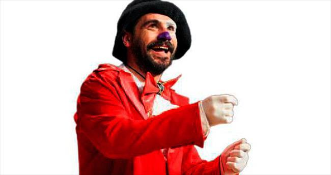 Pantomim gösterisi izleyenleri kahkahaya boğdu