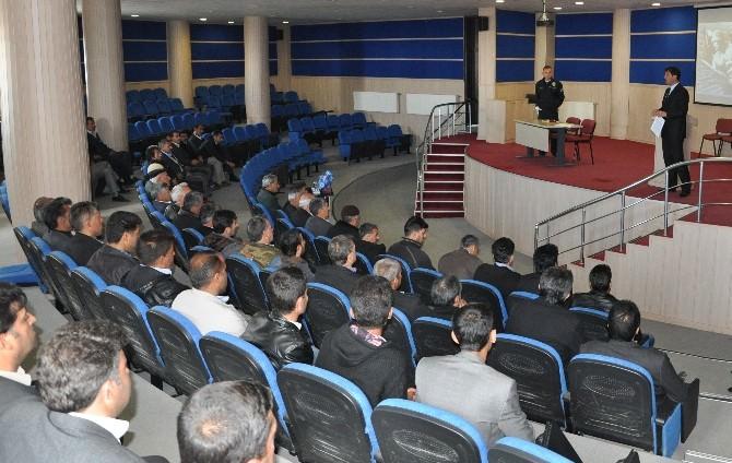 Sincik'te Okul Servis Şoförlerine Eğitim Semineri Düzenlendi