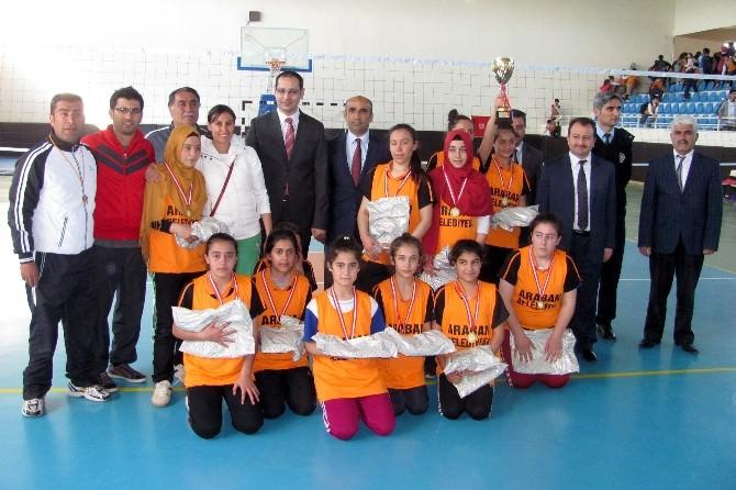 Araban'da Atatürk Ortaokulu Şampiyon Oldu