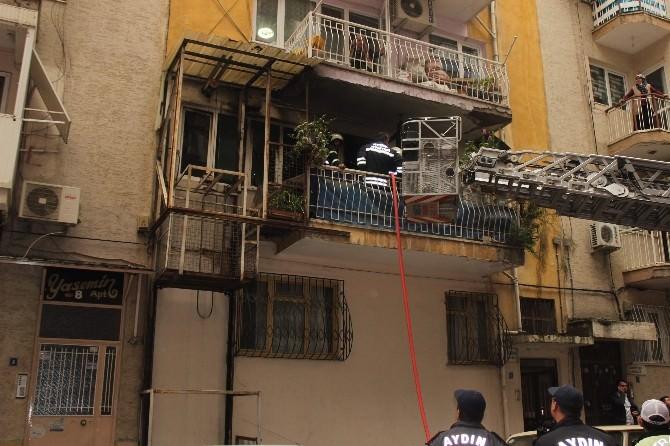 Aydın'da Yangın Paniği, Yaşlı Kadının Evinin Yanışını Çaresizce İzledi