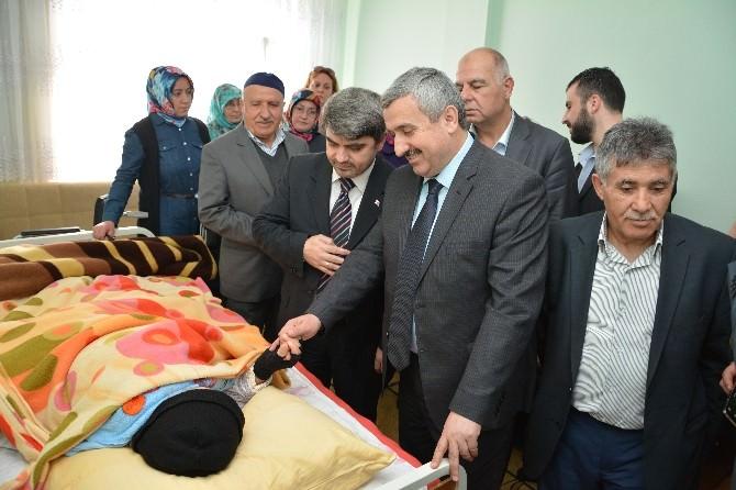 Başkan Baran Hasta Ve Yaşlıları Ziyaret Etti