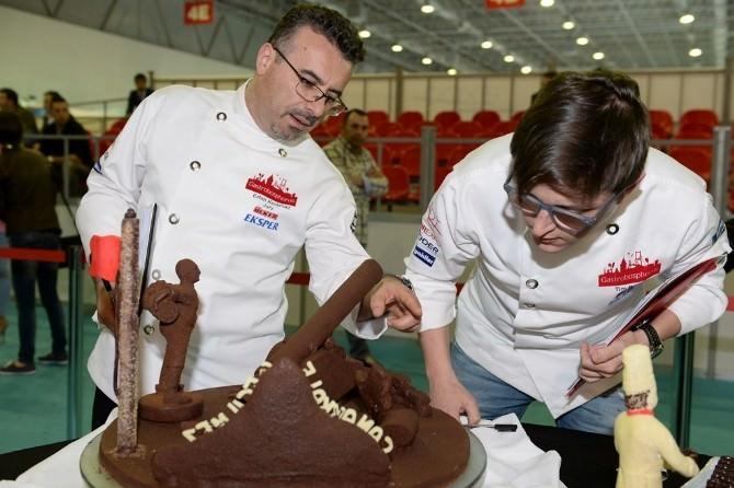 Çanakkale Zaferi'nin 100. Yılında Çikolatalar Yarıştı