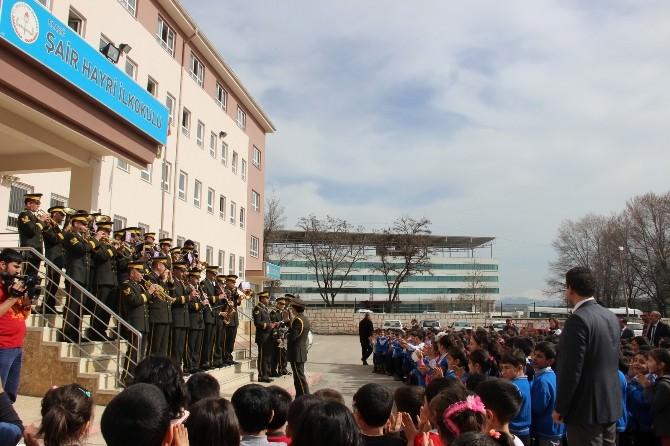 8. Kolordu Komutanlığı Bando Takımından Öğrencilere Konser