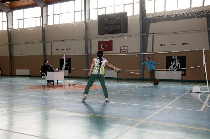 Koçarlı'da Badminton Heyecanı