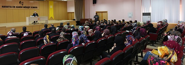 Prof. Dr. Mehmet Erdem'den Konferans
