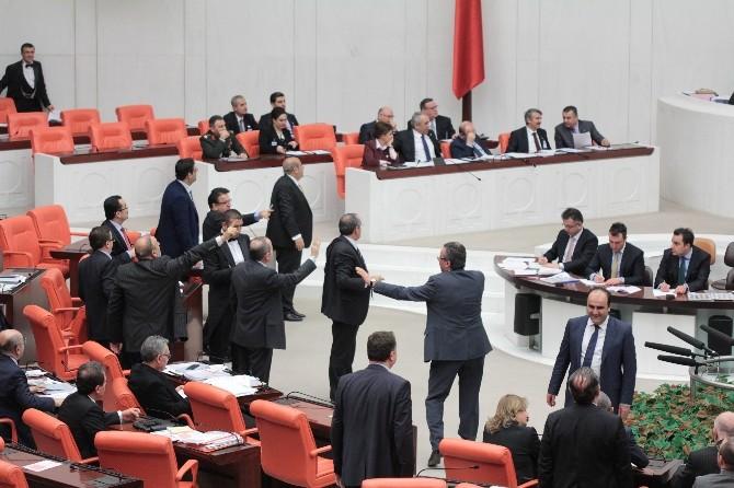 İç Güvenlik Paketi Mecliste Kabul Edildi