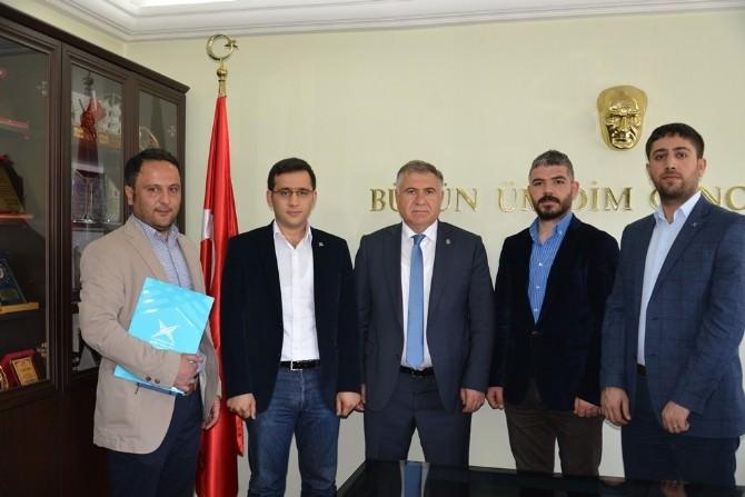 Türkiye Gençlik Vakfı Adıyaman Şubesinden İl Müdürü Bağcı'ı Ziyaret Etti