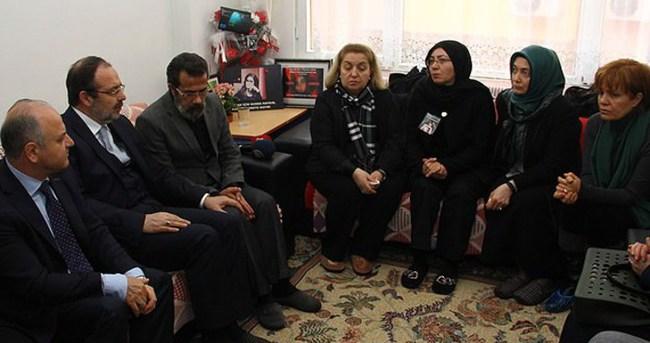 Görmez Özgecan'ın ailesini ziyaret etti