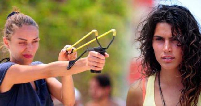 Duygu Çetinkaya Serenay Aktaş'ın fanları ile kavga etti