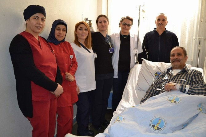 Nefes Almakta Zorlanan Hasta Ameliyat Edildi