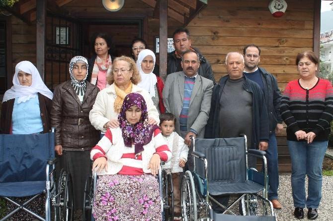 Fethiye'de Kermes Geliri Üç Aileyi Sevindirdi