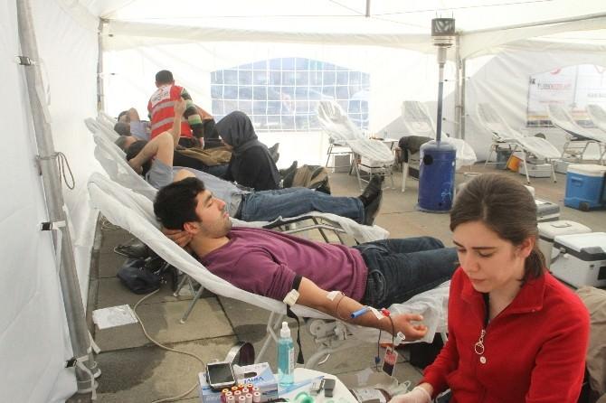Çekmeköy'de Çanakkale Şehitleri Anısına Kan Bağışı Kampanyası