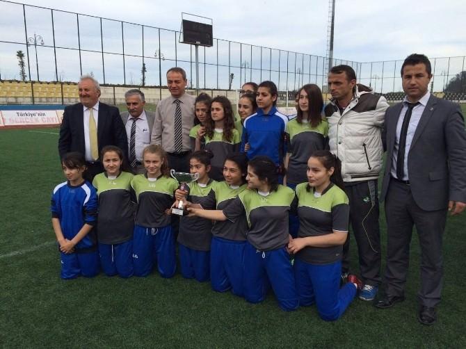 Rize'de Küçükler Ve Yıldızlar Futbol İl Biriciliği Sona Erdi