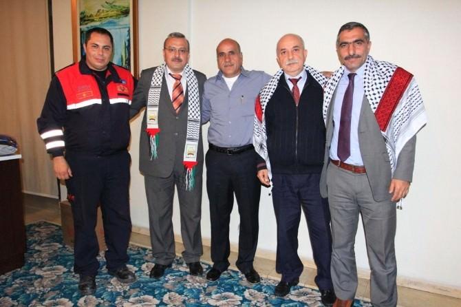 Filistinli İtfaiyeciler Sertifikalarını Aldı