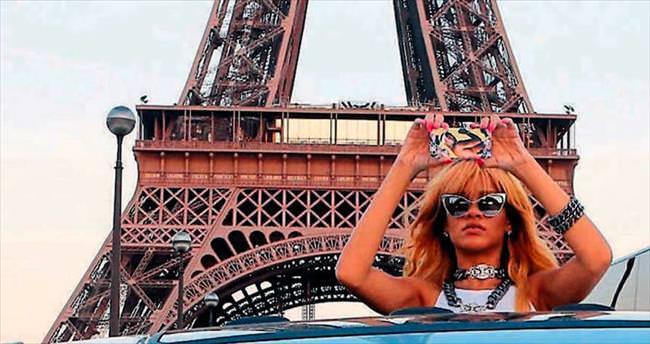 Rihanna sıcak sever
