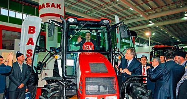 Başak Traktör modelleri Konya çiftçisiyle buluştu