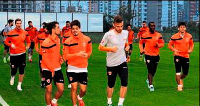 Adanaspor'da tempo artıyor