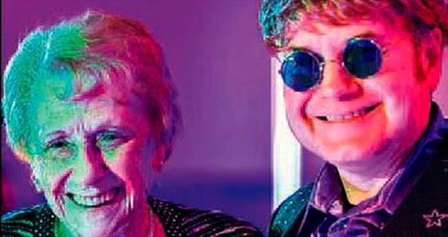 Elton John 7 yıldır annesini aramıyor