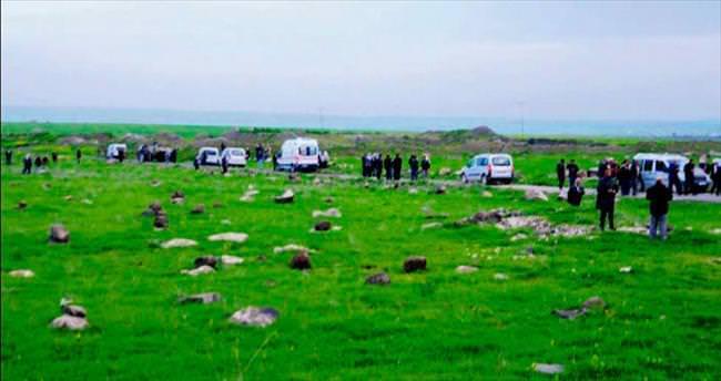 Otomatik silahlı arazi kavgası: 2 ölü,10 yaralı