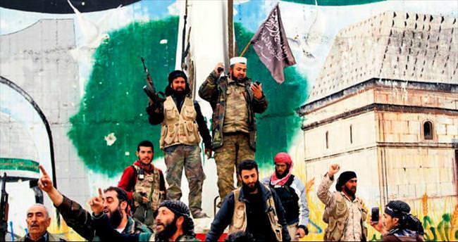 İdlib muhaliflerin elinde