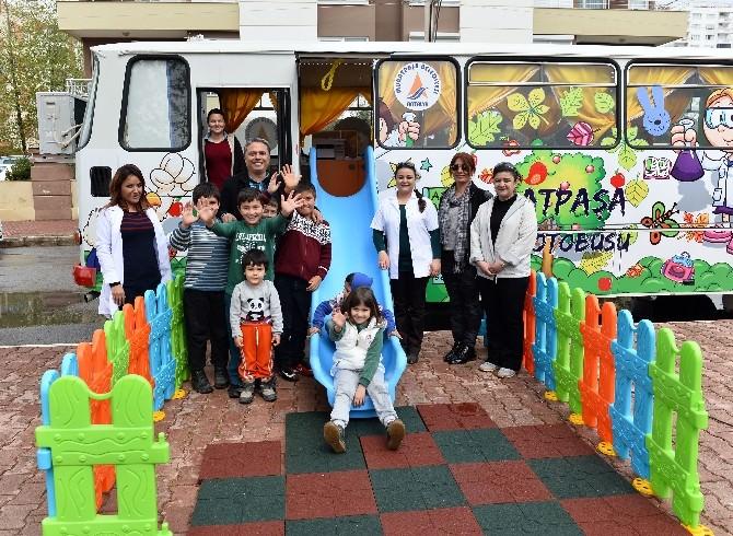 Muratpaşa Oyun Otobüsü Çağlayan Kapalı Pazarı'nda Hizmete Başladı