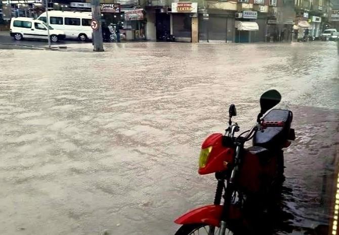 Aşırı Yağış Hayatı Olumsuz Etkiledi