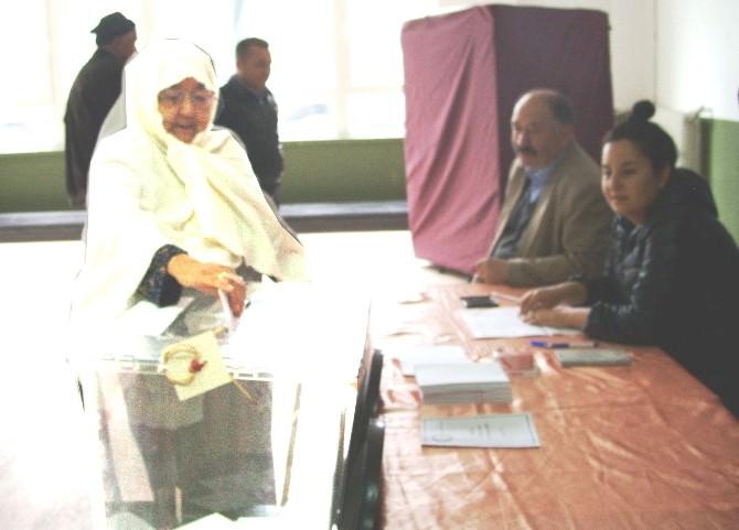 Yenipazar'da CHP'nin En Yaşlı Üyesi De Oy Kullandı
