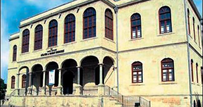 Adana Kız Lisesi'nde '40 yıllık' buluşma