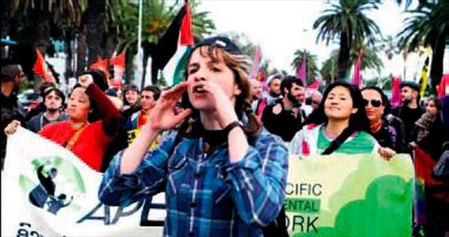Liderler teröre karşı Tunus'ta yürüdü