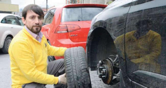 Sarıyer'de 70 otomobilin lastiği kesildi