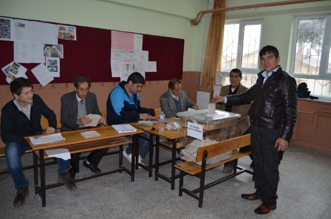 Selendi'de CHP'li Üyeler Seçimini Yaptı