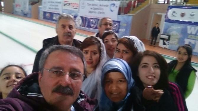 Afganlı Kızların Kupa Sevinci