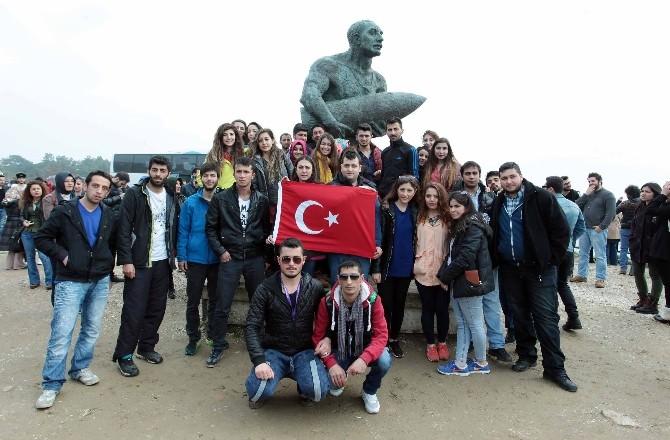 Atatürk Üniversitesi Öğrencileri Çanakkale Zaferi'nin 100. Yılı Dolayısıyla Çanakkale'ye Gezi Düzenledi
