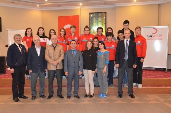 Kızılay'dan Milli Sporculara Destek