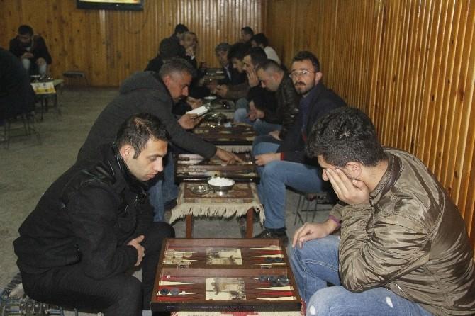 Hakkari'de İlk Defa Tavla Turnuvası Düzenlendi