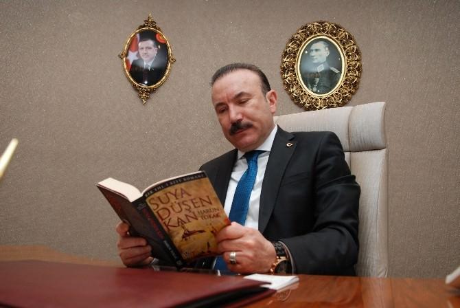 """Başkan Doğan """"Kitapların Olmadığı Bir Dünya Düşünülemez"""""""