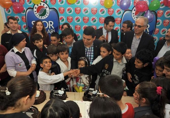 Kepez'de 215 Öğrenciye Yaş Günü Kutlaması
