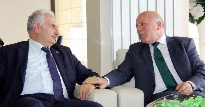 Rektör Koçak'tan Başkan Sekmen'e Ziyaret