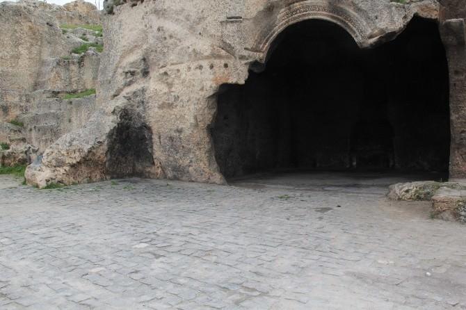 Eyyübiye Belediyesi Camiyi Gavura'yı Temizledi