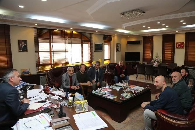 Sapanca Fotoğrafçılar Derneği, Başkan Yılmazer'i Ziyaret Etti