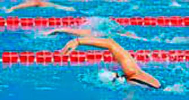 Milli yüzücülerden 10 altın, 6 gümüş