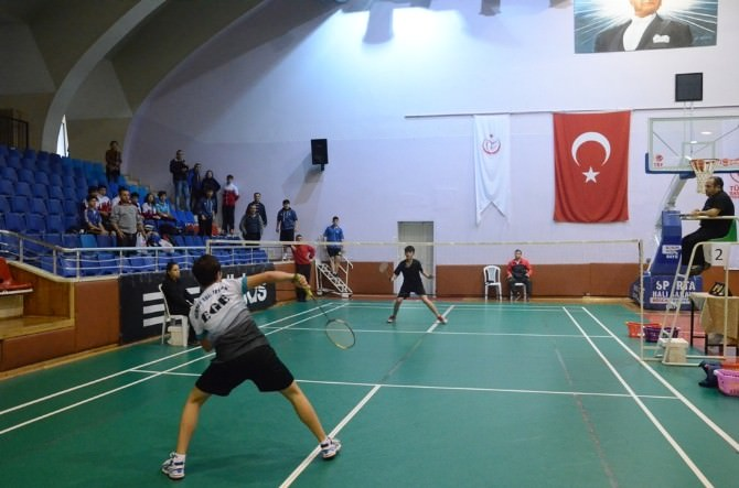 Badminton Grup Müsabakaları Aydın'da Yapıldı