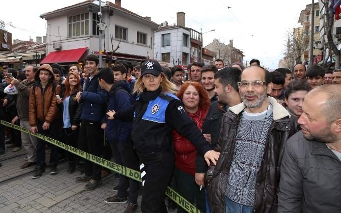 Eskişehir'de Şüpheli Kadın Çantası Korkuttu