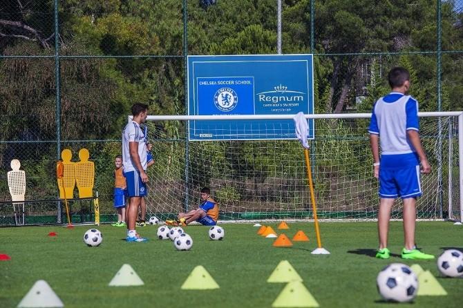 Geleceğin Futbol Yıldızları Regnum'da Yetişecek