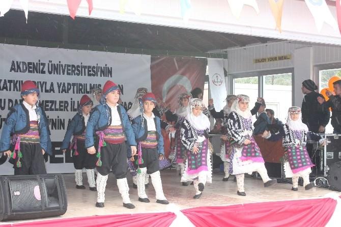 Kumluca'da AÜ Tarafından Yapılan Kütüphane Törenle Açıldı