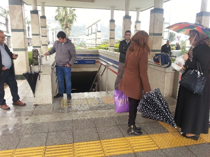 İzmir'de Hayat Felç Oldu