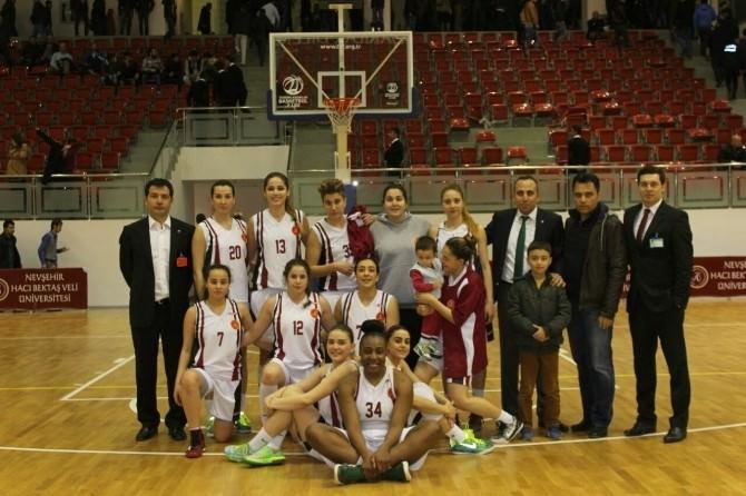 Nevşehir Hacı Bektaş Veli Üniversitesi Spor Kulübü Kadın Basketbol Takımı Galibiyet Serisini Sürdürüyor