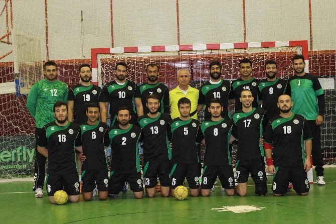 ÇÜ Erkek Hentbol Takımı Play Off'a Kaldı