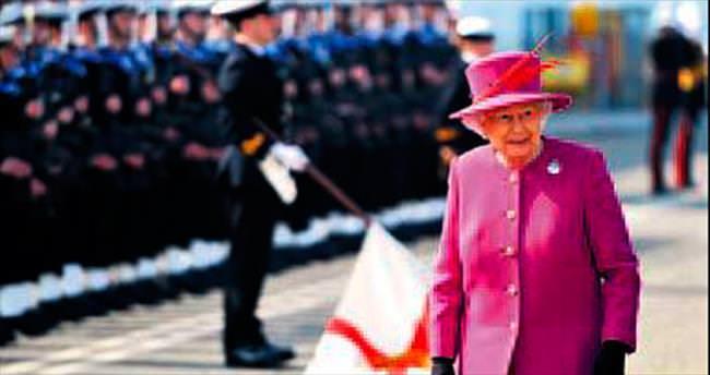 Kraliçe'nin çalışanları greve hazırlanıyor