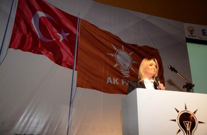 """Hülya Çakır: """"Türkiye'yi Karanlığa Gömemeyecekler"""""""